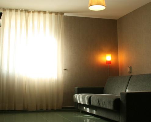 sofá habitación quíntuple