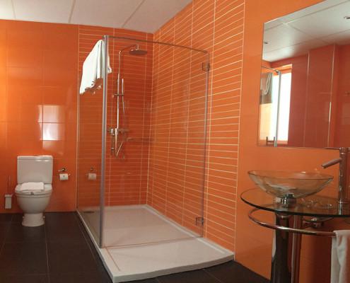 Baño Habitación Triple Deluxe