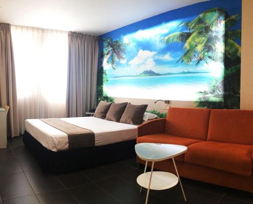 habitación doble, triple o cuádruple cabecero de playa y palmeras